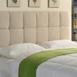 photo d'une tete de lit en tissu beige