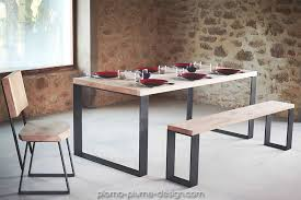 photo d'une table a manger en bois