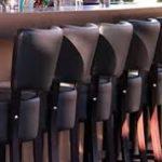 tabouret de restaurant en enfillade